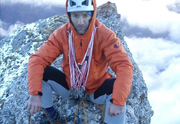 La-iesirea-din-fisura-Albastra-After-climbing-Fisura-Albastra_pizap