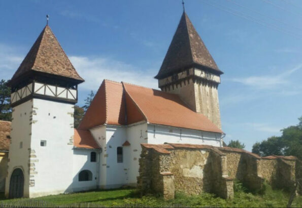 veseud11_Imprejurimi-Biserica-Evanghelica-din-Veseud