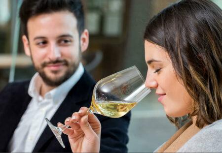 Degustare online de vin si muzica preferata - complice.ro