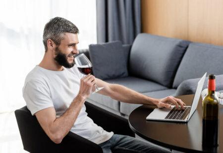 Cadou Degustare online de vin si colaj muzical personalizat - complice.ro