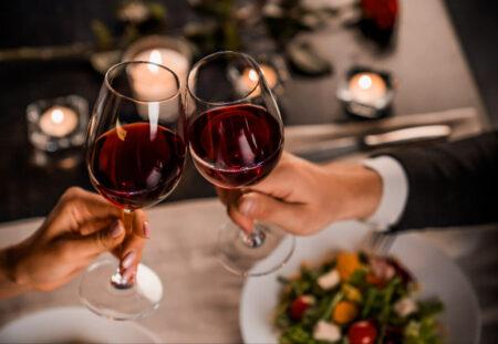 Cadou 1 an cu abonament de vin trimestrial cu etichete alese special de un somelier si consiliere privata - complice.ro